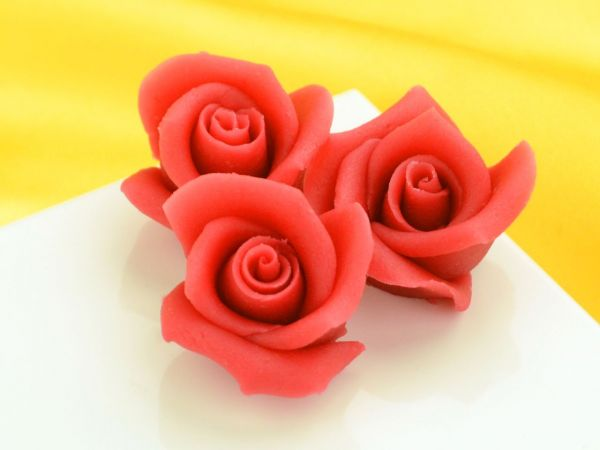 Marzipan-Rosen mittel rot 4 Stück