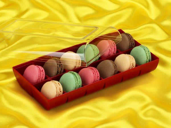 Macaron-Halbschalen 24 Stück bunt in 12er Box ruby