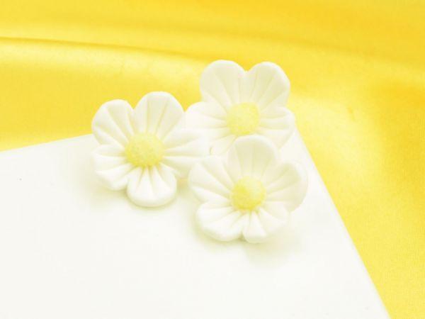 Blumen 25mm weiß Zucker 16 Stück