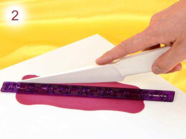 Buchstaben aus Modelliermasse herstellen