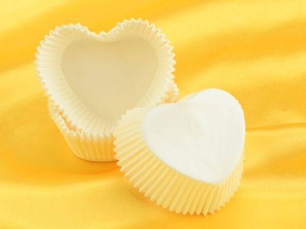 Muffinkapseln Herzform weiß 36 Stück