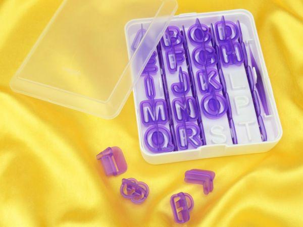 Wilton Alphabet-Number Cut-Outs Set 40er