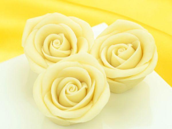 Marzipan-Rosen groß weiß 16 Stück